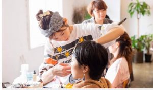 美容師でありコスメコンシェルジュである、大野まゆみさん